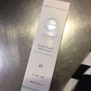 Oxygen critical s milk cleanser