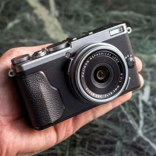 Fujifilm X70 digital mirrorless camera