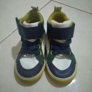 Pl sepatu h&m baby