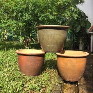 lot of 3 planting pots