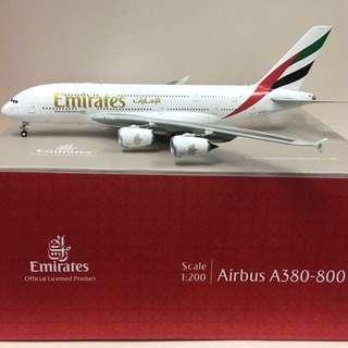 Emirates A380-800 aircraft plane model (1:200)