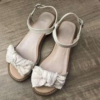 katie judith 白色涼鞋 I.T