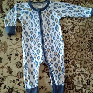 Sleepsuit Bonds 3-6m