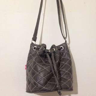 Bucket bag grey