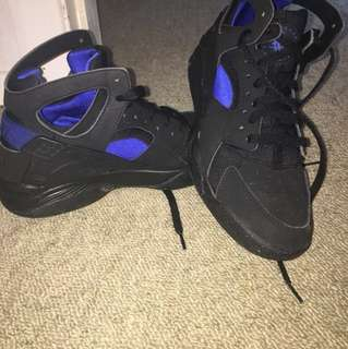 Huarache air Black and Blue high top. Size 7.5 mens