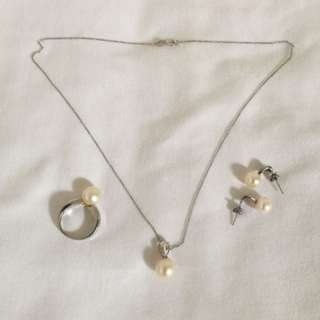 Authentic Set of Fresh Water Pearl 14K