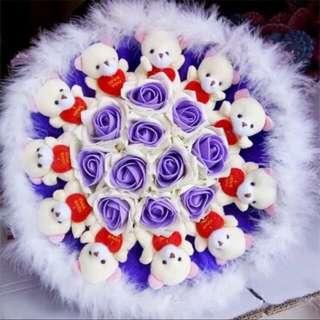 抱心熊紫白色花