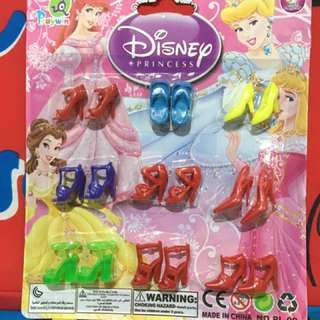 Doll shoes set
