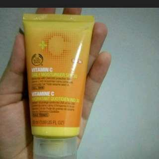 Vitamin C Daily Moisturiser SPF 30 The Body Shop