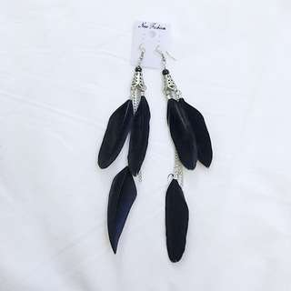 Black feather earring