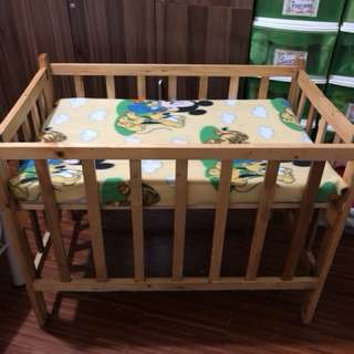 Wooden Crib with foam