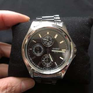 Casio unisex quartz watch