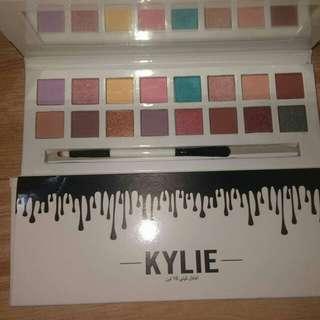 New Kylie Eyeshadow Palette