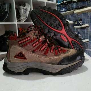 Sepatu gunung/hiking K-2 pinatubo