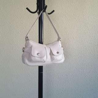 🔽清 LANCEL leather handbag (white)