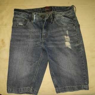 Moutley pants