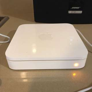 2009 wit router AirPort Extreme