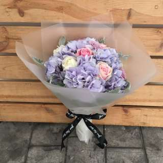 Vday Hydrangeas Bouquet (Large)