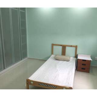 Newly Refurbished Room for rent at Bukit Batok! ( No agent fees ) 有房间出租