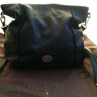 Tas pundak/ shoulder bag Braun Buffel asli warna hitam