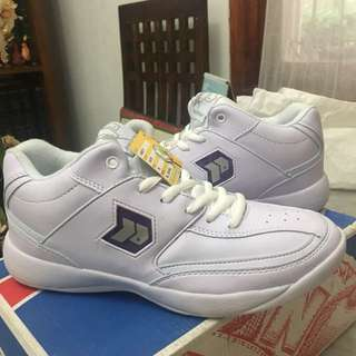 White shoes (cheer shoes) Precise