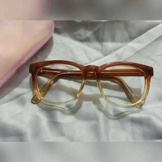 Frame kacamata gradasi