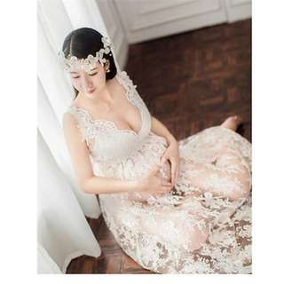 Maternity photoshoot lace gown