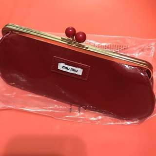 Miu Miu 漆皮化妝袋 小物袋 小手袋 啪鈕