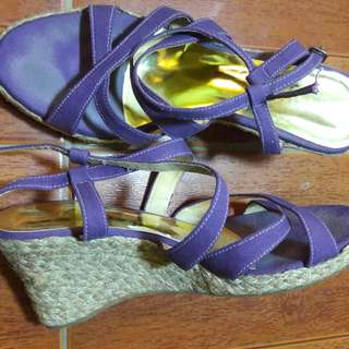 Preloved sandal
