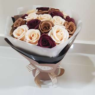 19 mixed Roses Bouquet valentine