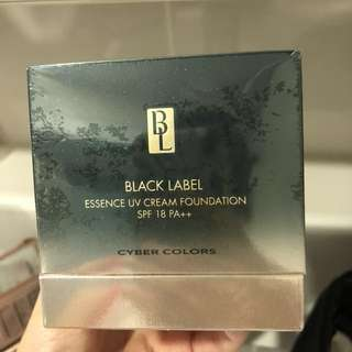 Cyber colors black label essence cream foundation ( natural)