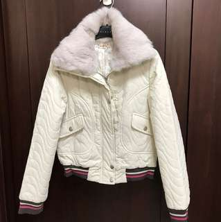 米色毛領可拆式夾克