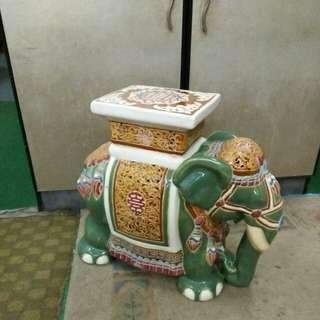 陶瓷像 高43 长50 cm