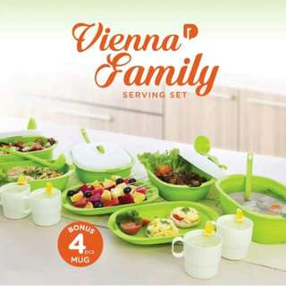 Vienna Family Serving Set