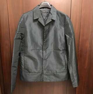 黑色風衣式西裝外套