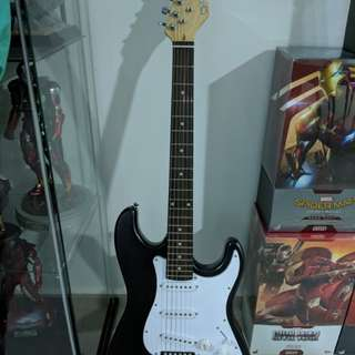 Suzuki Electric Guitar