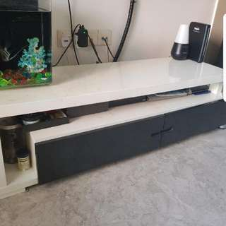 RESERVED [GIVEAWAY] Extendable TV Console