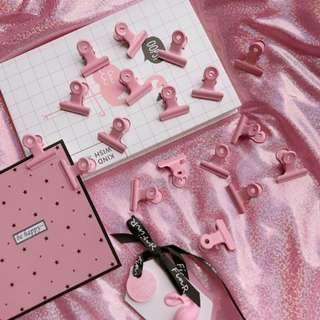 Pinky Elliot Folder