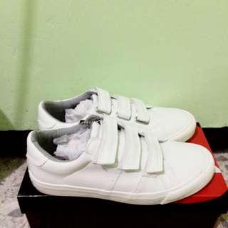Airwalk White Shoes