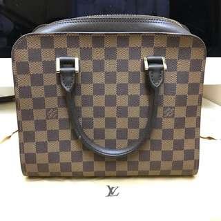 LV bag (99.9% new)