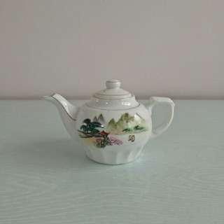70s Porcelain Teapot mint condition