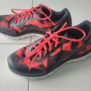 Sepatu Reebok No Box