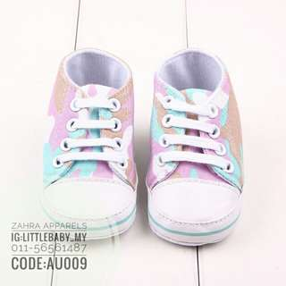 Shoes sneakers baby
