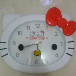 Jam Dinding Hello Kitty
