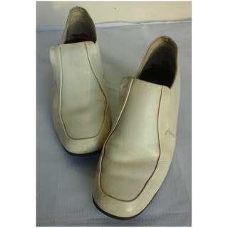 Sanda Ltd. Authentic Retro Shoes
