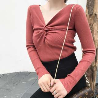 Front Twist V Neck Long Sleeve Knitted Top