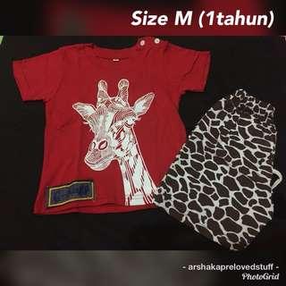 Setelan Giraffe Merah