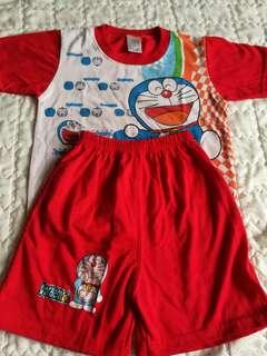 Baju seluar Doraemon