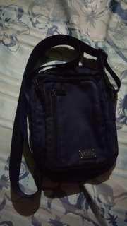HALO sling bag