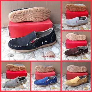 Sepatu kickers casual suede